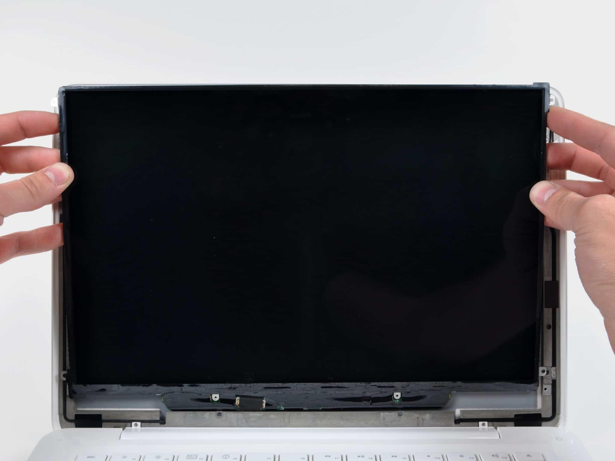 Macbook A1342 LCD Ekran Değişim